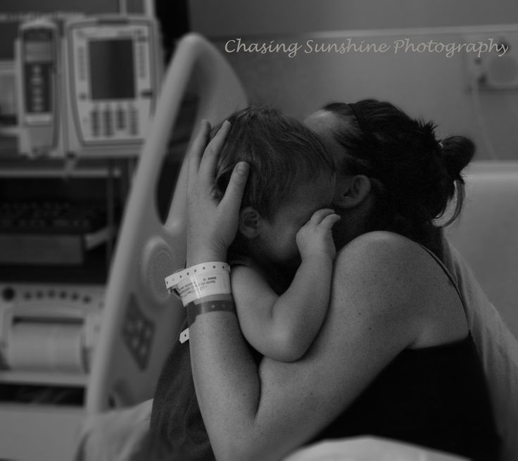 Mom hugging the New big brother :) delivery room pics. They were an amazing family to take photos of. So much love!