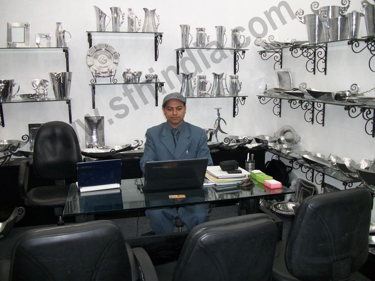 Mohd Shahid in displaying aluminium dinnerware collection in Booth-Trade Fair