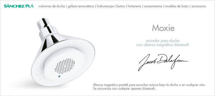 Columna ducha termostática con rociador Moxie para ducha con altavoz magnético bluetooth portátil incorporado. De Jacob Delafon http://www.sanchezpla.es/ducha-sentidos-moxie-nuevo-concepto-ducha/