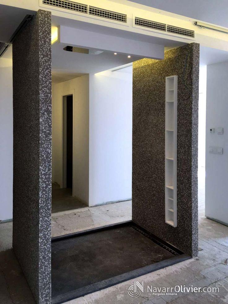Reforma de aseo con estantes empotrados construidos en KRION.   Mas información T: +34 687 03 15 65  e: info@navarrolivier.com w: https://navarrolivier.com/ f:https://www.facebook.com/CarpinteriaNavarrOlivier/  #KRION #tendencia #reforma #decoracion #diseño #composita #carpinteria