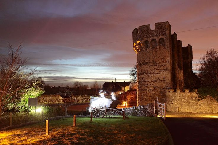 Cooling Castle Barn night photograph