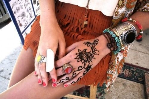 everything about this pictureVenice Beach, Beach Style, Summer Jewelry, Henna Design, Chunky Jewelry, Boho Jewelry, Hands Tattoo, Henna Tattoo, Arm Parties