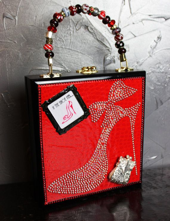 Hey, I found this really awesome Etsy listing at http://www.etsy.com/listing/165714709/high-heel-cigar-box-purse