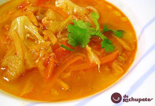 Receta de sopa de verduras, sabrosa y perfecta. Esta sopa es suave y ligera, elaborada con nuestras verduras preferidas. Preparación paso a paso, fotografías y consejos.