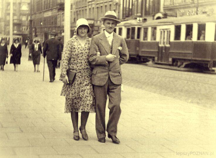 Spacer po Placu Wolności - prawdopodobnie ok 1938 roku