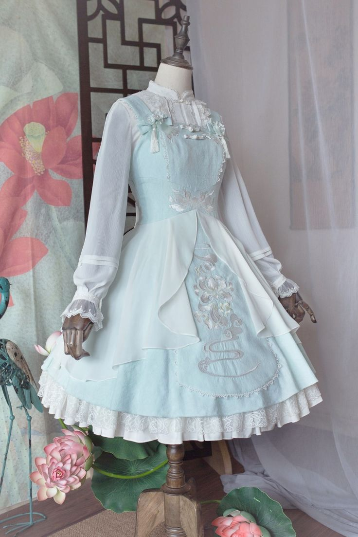 9555 best Styles images on Pinterest | Embroidery, Clothing apparel ...