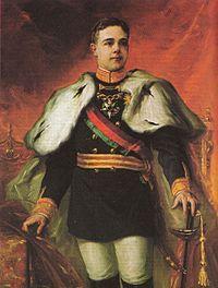 D. Manuel II (1889-1932) foi o trigésimo-quinto e último rei de Portugal. Manuel II sucedeu ao seu pai, o rei Carlos I, depois do assassinato deste e do seu irmão mais velho, o príncipe real Luís Filipe, a 1 de fevereiro de 1908. Antes da sua ascensão ao trono, Manuel foi Duque de Beja e Infante de Portugal. Foi com a revolta republicana de 5 de outuro de 1910 que se deu a Implantação da República. D. Manuel II teve de fugir para a Inglaterra.