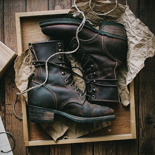 rusticmeetsvintage:  Surprise delivery from @thecornermarket1920! Beautifully crafted lace-up vintage durango boots plus by -thedenizenco- #flickstackr Flickr: http://flic.kr/p/kQty8Y