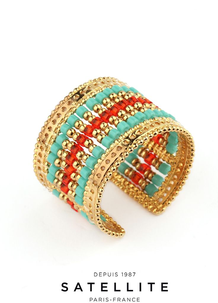 It's summer! Show off in this multi-coloured pearlised and golden ring. A turly seasonal piece! #ring #bague #jewelry #bijoux but it here >> http://en.satelliteparis-boutique.com/catalog/product/view/simple/7747/id/8415/s/bague-cheyenne/category/134/?simple=7747