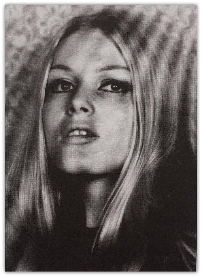 Olga Schoberova Nude Photos 89