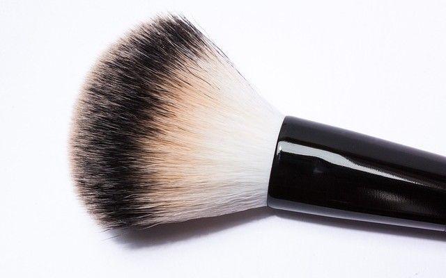 Tips και φωτοσκιάσεις μακιγιάζ για όμορφη μύτη