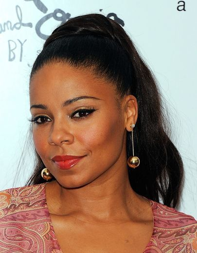 Sanaa Lathan ...a bold eyeliner with bright lip