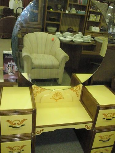 vintage vanity with round mirror. Vintage Vanity with large round mirror  14 best dressing tables images on Pinterest Antique Dresser With Round Mirror thegibbonsschool com