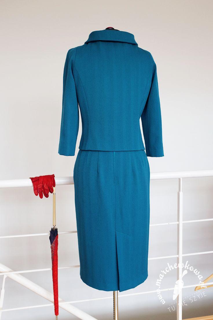 marchewkowa, blog, szycie, sewingKostium w stylu lat 50.: uszyłam sobie Wykrój żakietu: 127 z Burdy 9/2009 Wykrój spódnicy: 117 z Burdy 2/2017 Turkusowa elanowełna i elastyczna podszewka: Allegro Stare guzki: prezent  EN 1950s style suit: made by me Raglan sleeve jacket pattern: #127, Burda 9/2009 Pencil skirt pattern: #117, Burda 2/2017 Polyester-wool mix & lining fabric: Allegro Vintage buttons: a gift, rękodzieło, handmade, moda, styl, vintage, retro, repro, 1950s, 1960s, Wrocław szyje, w…