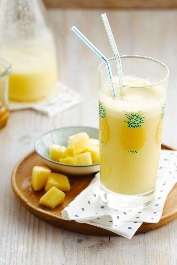 Inizia la tua giornata nella maniera migliore con ananas fresco e la gustosa Bevanda al Cocco Alpro