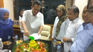 Catering tumpeng 085692092435: 0811-8888-516 Pesan Nasi Tumpeng Di Sudirman Jakar...