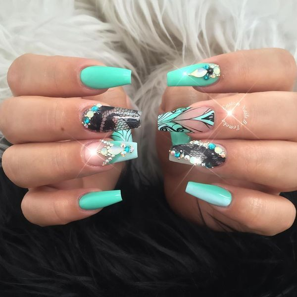 Newest Collection of Mint Green Nails