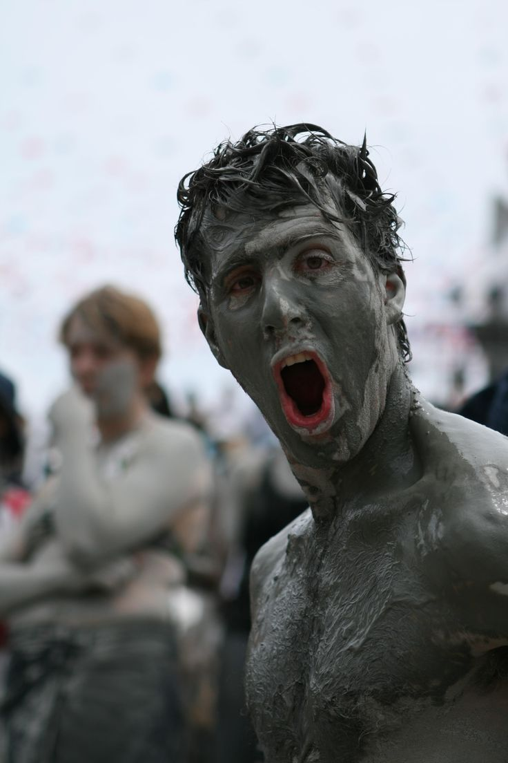 Fully immersed in the both the mud and the festival's great atmosphere, Boryeong Mud Festival is all about having FUN #southkorea #mudfestival