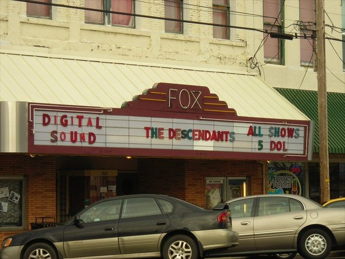 Fox Theater - Dallas, Oregon Image