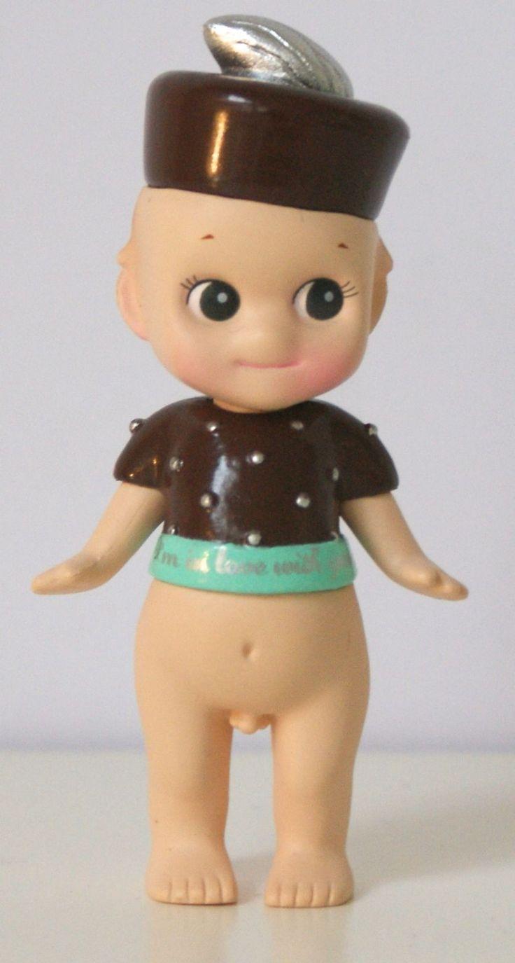 Sonny Angel Figurine Secret Chocolat au lait Argent En stock 14,90 €  Disponible sur www.sonnyangel-world.com