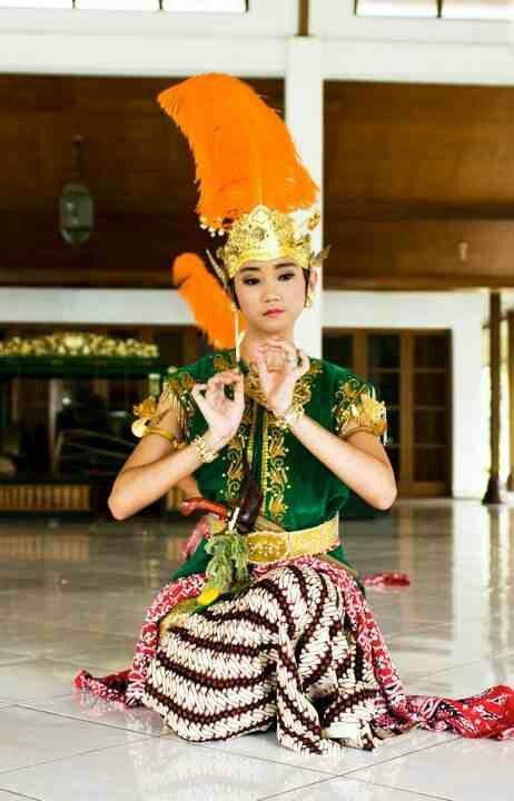 srimpi pandelori dance,java, indonesia