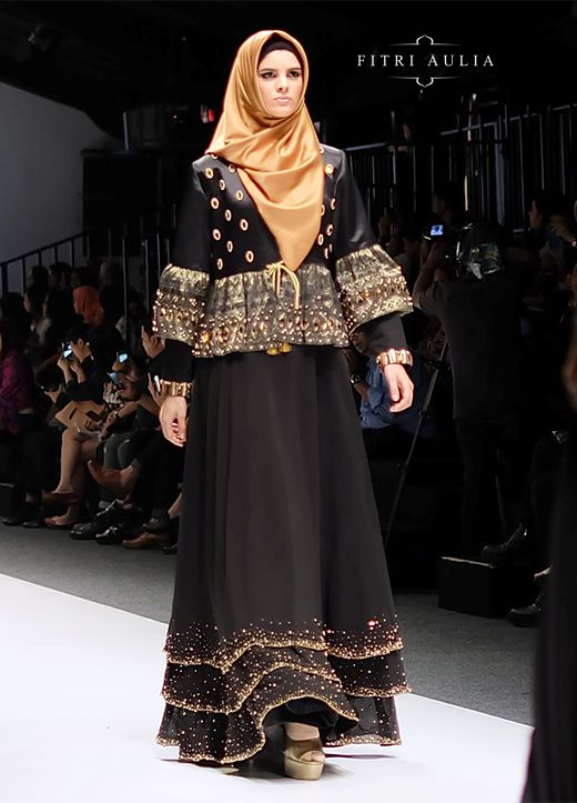 KIVITZ: Fitri Aulia: Nighttide Alteration on Jakarta Fashion Week 2016