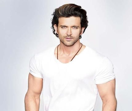 Buy HrithikRoshan sexy white shirt @ http://www.follo.in/starshop/products/hrithik-roshan/men-white-t-shirt/481776 ONLY Follostarshop Bollywoodkafashion