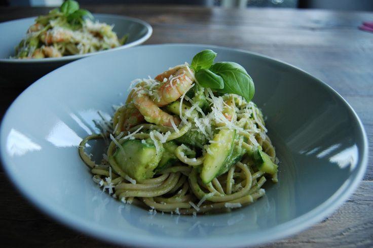 Pasta en roomsaus. Comfort food voor velen. Niet zo gezond, maar dat kan ook anders!Met avocado als basis maak je in een handomdraai een gezonde roomsaus. Lekker én gezond dus. Metdit recept voor…