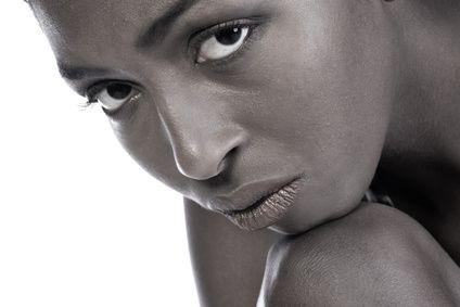 Penteados curtos para afro-americanas com um corte natural | eHow Brasil