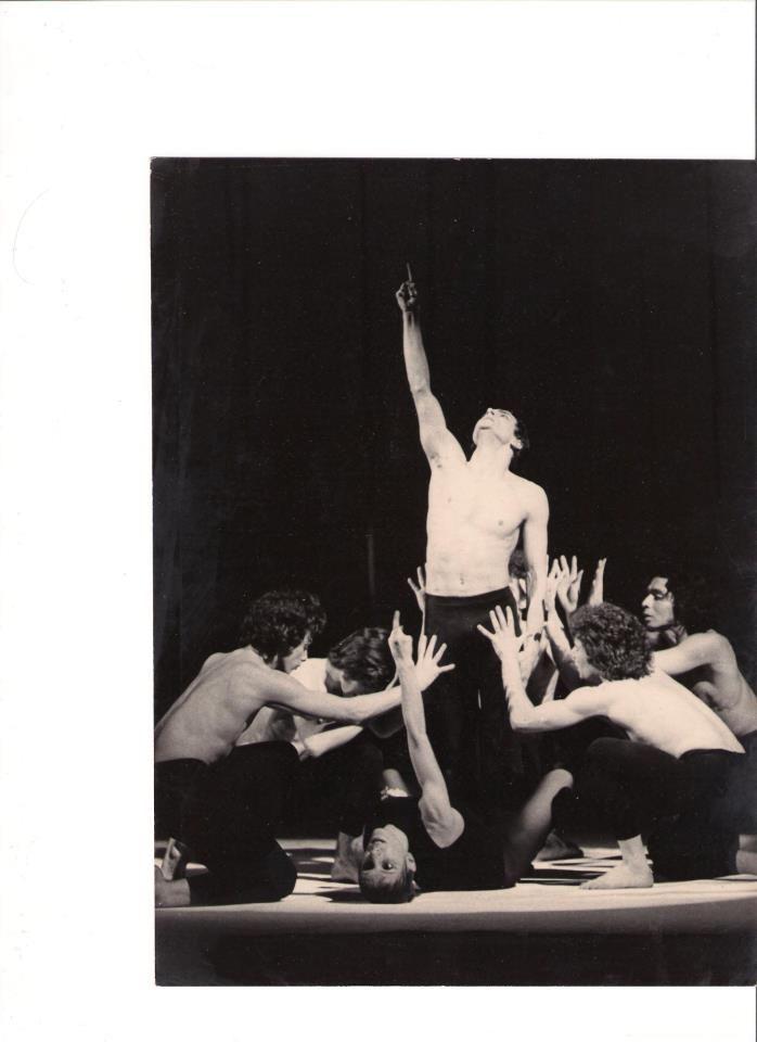 "Ballet de Lyon 1973- Vittorio Biagi nel balletto storico del coreografo Maurice Bejart "" Sinfonia per un uomo solo"""