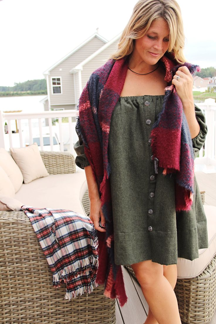 Transform a summer look with this cozy and versatile flannel off-the-shoulder dress. Courtesy of The Sewing Rabbit, this dress gives a new meaning to using flannel in your projects. Click through to learn how to make your own!