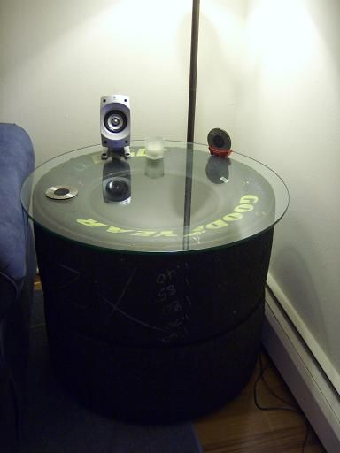DIY: Tire Table -omg except for seeing the branding this is cool