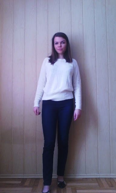 Dociax: White Sweater / CAUSAL