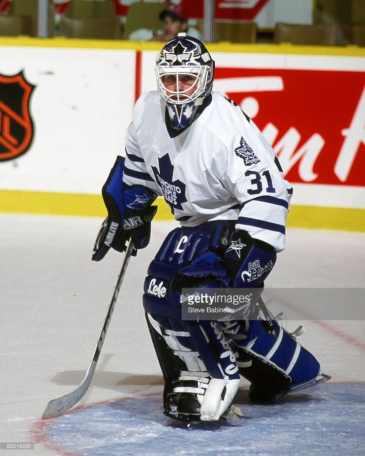 s-don-beaupre-of-the-toronto-maple-leafs-tends-goal-in-game-against-picture-id82019226 (819×1024)