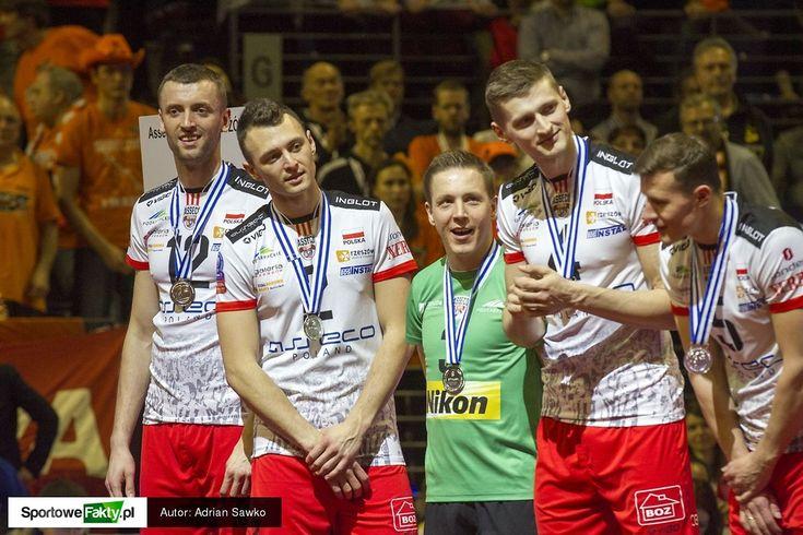 Dekoracja finalistów Ligi Mistrzów - Galerie zdjęć - Siatkówka - SportoweFakty.pl