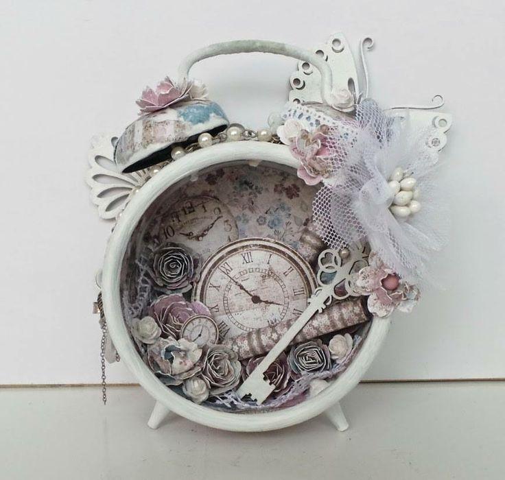 Shabby altered clock