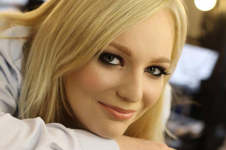 Modelka: Agata Gumołowska Make-up: Agnieszka Chełmońska Studio