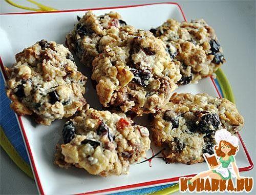 Рецепт: Печенье из мюсли с орехами и сухофруктами