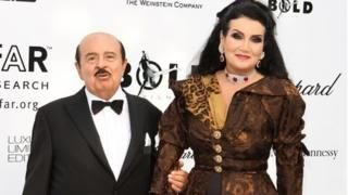 Adnan Khashoggi: Saudi billionaire arms dealer dies aged 82 The arms dealer known for his lavish lifestyle had been suffering from Parkinson's disease. http://www.bbc.co.uk/news/business-40180931