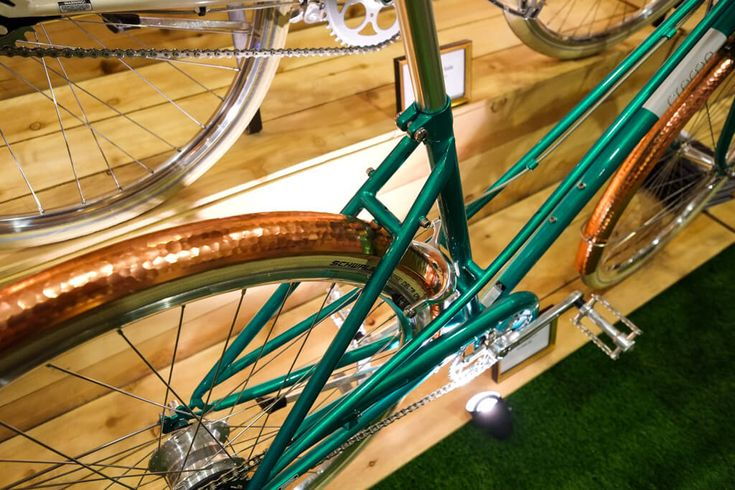 Creme Cycles beautiful town bike with copper mudguards