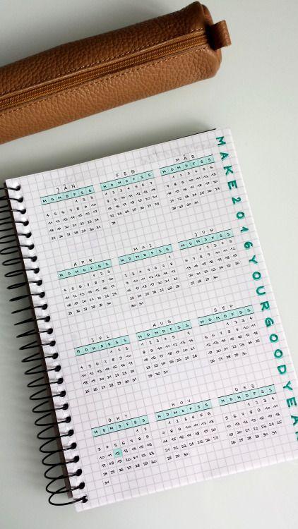 Voilà le genre de mon calendrier annuel.... :)