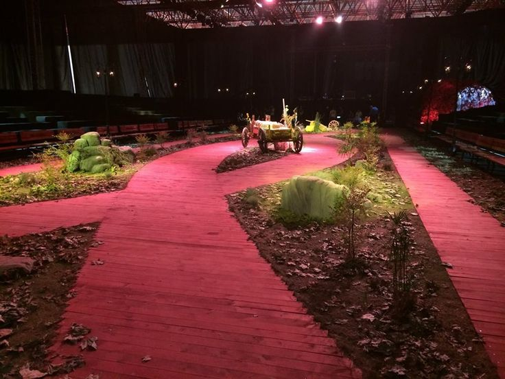 Dosso Dossi Fashion Show-Stage and Runway Design/Implementation-Cem İnci