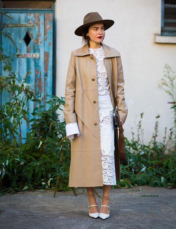 Lilia Litkovskaya look com sapato branco