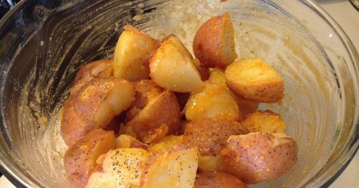 Papas a la diabla   Servir caliente.  La salsa picante se puede cambiar por Chile chipotle, Chile de árbol, o lo que sea su preferencia.  Si gusta también puede agregar un poco de pimienta
