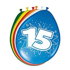 Gekleurde ballonnen 15 jaar. Deze gekleurde ballonnen hebben een opdruk met het cijfer 15 en zijn verpakt per 8 stuks. Formaat: 30 cm.