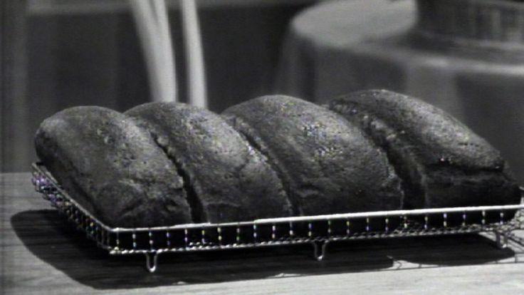 Video Ingrid Espelid Hovig baker brød - Foto: Nyhetsspiller /