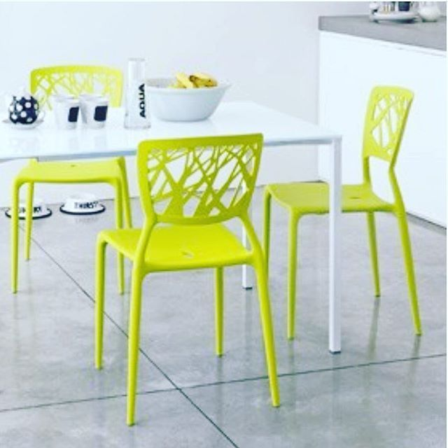 Sedie Moderne In Plastica.Spring Is Here And The Sun Is Shining Add A Splash Of Colour