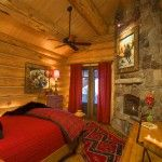 _H4F4467edgewoodlog.com love this red, warm, cozy curl up place