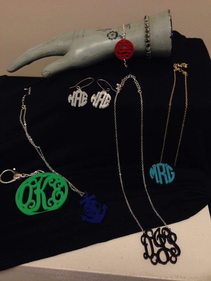 With October being the most common birth month and Christmas coming up after that, we have the perfect personalized gifts for your loved ones! Custom acrylic monogrammed accessories to show you were thinking specifically of them. Keychain: $32.95 Earrings: $28.95 Anchor Necklace: $28.95 Necklace: $24.95-28.95 Bracelet: $24.95