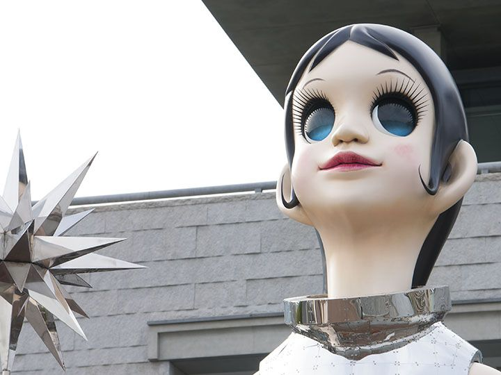 ヤノベケンジ《サン・シスター》2015年 FRP、ステンレススティール、鉄 他